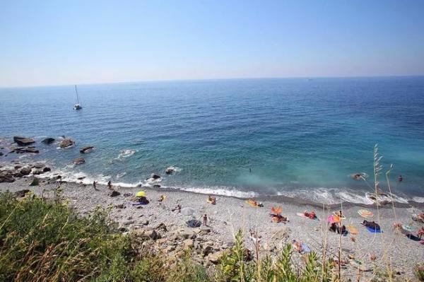 Top bãi biển dành cho những ai thích nude nổi tiếng thế giới - Ảnh 5.