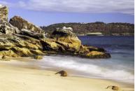 Những bãi biển khỏa thân thu hút khách du lịch trên thế giới